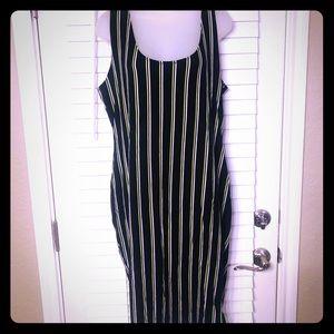 EUC}F21 plus black/green vertical stripe dress
